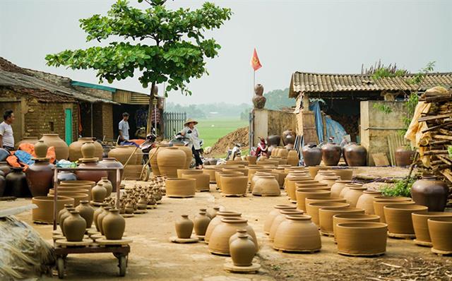 San-phoi-cua-HTX-gom-Quyet-Tha-3017-9616