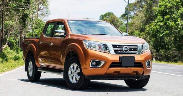 """<p class=""""Normal""""> </p><p class=""""Normal""""><strong><span class=""""s1"""">Nissan</span></strong></p><p class=""""Normal""""><span class=""""s1"""">Nissan Navara giảm 40 triệu đồng. Theo đó, giá xe sau ưu đãi chỉ dao động từ 605 - 775 triệu đồng. Nissan X-Trail và Nissan Sunny giảm khoảng 30 triệu đồng.</span></p>"""