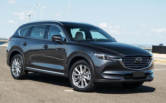 """<p class=""""Normal""""> </p><p class=""""Normal""""><strong><span class=""""s1"""">Mazda</span></strong></p><p class=""""Normal""""><span class=""""s1"""">Mazda CX-8 là mẫu xe được giảm giá nhiều nhất, với mức giảm từ 150 - 200 triệu đồng. Giá bản tiêu chuẩn của mẫu xe này xuống dưới 1 tỷ đồng. Cùng với đó, 3 phiên bản còn lại của Mazda CX-8 2020 gồm Deluxe, Luxury và Premium AWD được giảm 150 triệu đồng.<span class=""""Apple-converted-space""""></span></span></p>"""