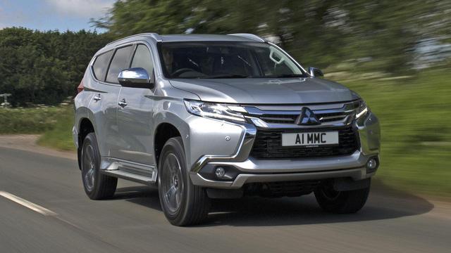 """<p class=""""Normal""""> </p><p class=""""Normal""""><strong><span class=""""s1"""">Mitsubishi</span></strong></p><p class=""""Normal""""><span class=""""s1"""">Mitsubishi Pajero Sport 2019 phiên bản máy dầu 4x2 MT giảm 92,5 triệu, phiên bản diesel 4x2 AT giảm 72 triệu đồng, phiên bản Gasoline 4x2 AT Premium giảm 60 triệu đồng. Với mức giảm trên, giá niêm yết của 3 mẫu xe này lần lượt là 888 triệu đồng, 990 triệu đồng và 1,1 tỷ đồng.<span class=""""Apple-converted-space""""></span></span></p>"""