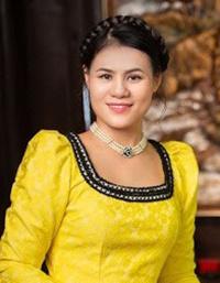 Ba-Hoang-Thi-Tan-Giam-doc-HTX-8482-1683-
