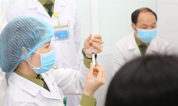 Dự kiến tiêm vaccine Covid-19 đầu tiên vào ngày 8/3