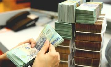 Đầu tư vàng hay gửi tiết kiệm?