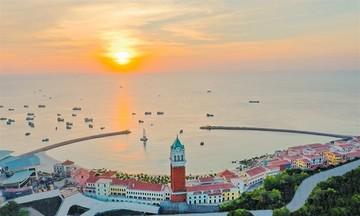Thị trấn Địa Trung Hải Phú Quốc - Sàn diễn xa xỉ của thời trang và kiến trúc
