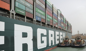 Hình ảnh tàu chở hàng Ever Given mắc cạn ở kênh đào Suez