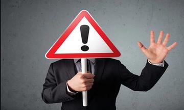 HoSE và HNX đưa hàng loạt cổ phiếu vào diện cảnh báo