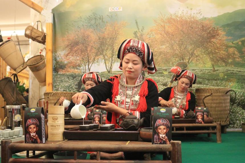 Che-Shan-Tuyet-Hoang-Su-Phi-3981-1618562