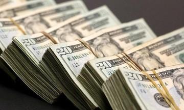 Thị trường tiền tệ ngày 17/4: Giá vàng tăng vọt phiên cuối tuần, đồng USD suy yếu