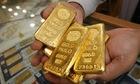 Thị trường tiền tệ ngày 19/4: Giá vàng tiếp tục hưởng lợi nhờ đồng USD yếu đi
