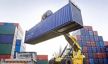 Việt Nam bất ngờ nhập siêu gần 1,3 tỷ USD trong nửa đầu tháng 4
