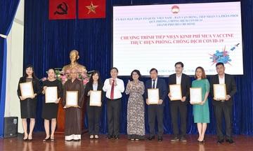 Cổ đông SCB ủng hộ quỹ phòng chống dịch COVID-19 của TP.HCM