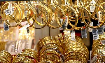 Thị trường tiền tệ ngày 27/4: Giá vàng vẫn ở mức cao, đồng USD gặp nhiều trở ngại