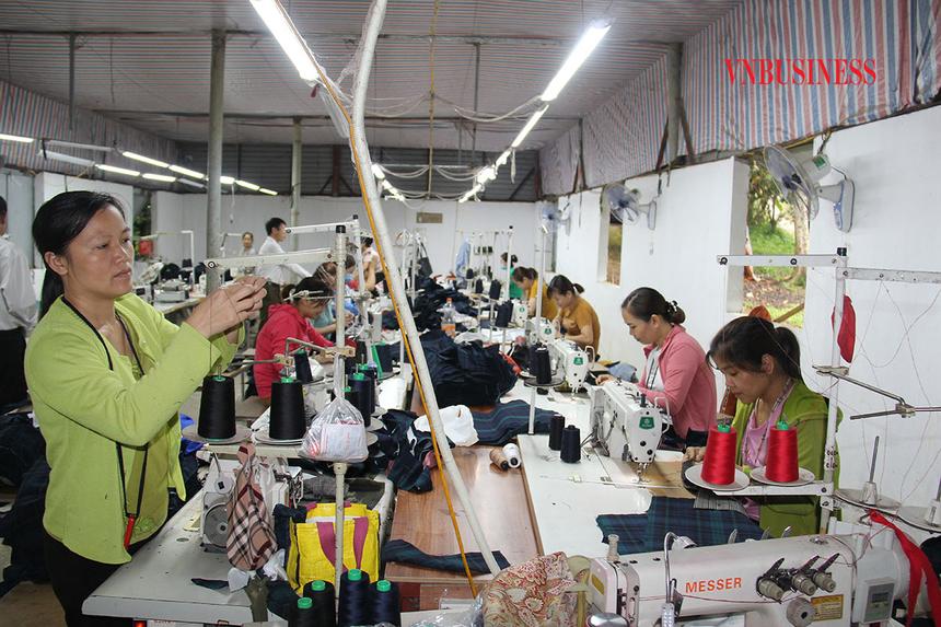 Nguoi-lao-dong-cua-HTX-Huy-Chi-2447-9982