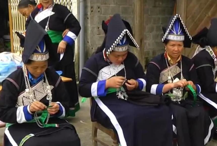 8-5-Trang-phuc-cua-nguoi-pa-di-2189-1620