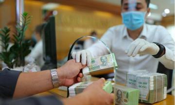 Cẩn trọng nguy cơ lây nhiễm Covid-19 từ giao dịch tiền mặt