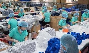 Dịch Covid-19 bùng phát trên thế giới, xuất khẩu khẩu trang y tế tăng