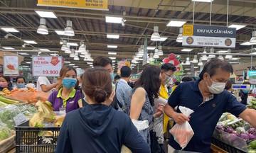 TP.HCM: Cung ứng hàng hóa thế nào trong ngày đầu thực hiện giãn cách xã hội?