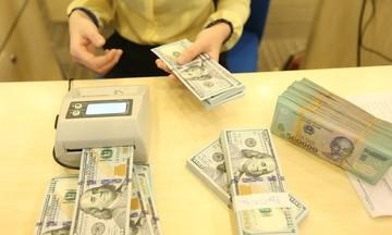 Vàng trong nước giữ vững mốc 57 triệu đồng/lượng, đồng USD tăng nhẹ