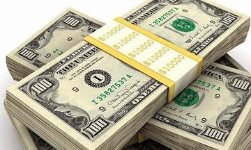 Giá USD bất ngờ vọt tăng, vàng tiếp đà giảm