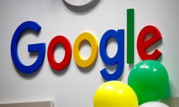 """""""Ông lớn"""" Google hạn chế quảng cáo để chống gian lận tài chính tại Anh"""