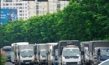 Tạo luồng 'ưu tiên đặc biệt' cho phương tiện chuyển hàng vào TP.HCM