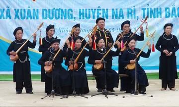 Những người nặng lòng với đàn Tính – hát Then