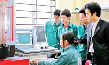 Nâng cao kỹ năng cho thanh niên Việt Nam trước 'cú sốc kép'