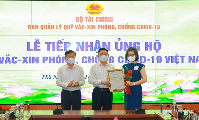 ba-Le-Kim-Chi-nhan-giay-chung-9151-8985-