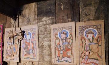 Người Dao 'đỏ mắt' kiếm tìm họa công cho tranh thờ