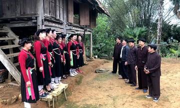 Điệu Sình ca ngân mãi cùng đội văn nghệ người Cao Lan