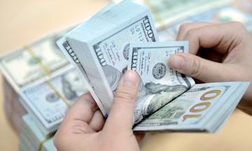 Giá vàng SJC tiếp tục giảm, đồng USD ít biến động