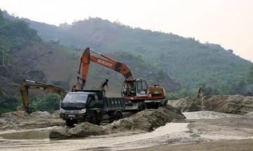 'Xanh hóa' môi trường khai thác mỏ đá ở HTX Phương Nhung