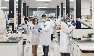 Vingroup nhận chuyển giao độc quyền công nghệ sản xuất vắc xin mRNA phòng COVID-19 tại Việt Nam