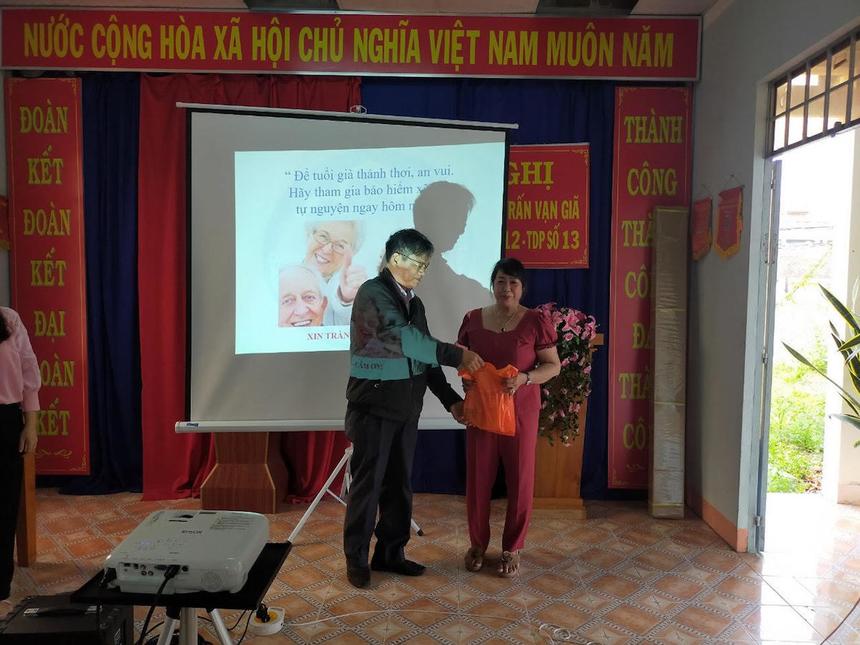 tuye-truyen-ve-chinh-sach-BHXH-9143-3306