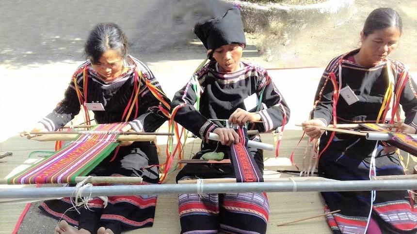 Anh-2-Song-Hinh-Phu-Yen-6387-1629606834.