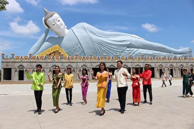 Cac-ban-tre-nguoi-Khmer-tap-mu-2313-8307