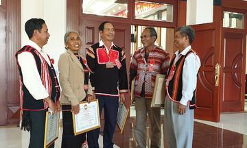 Những người góp phần giữ vững bình yên cho buôn làng
