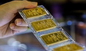 Giá vàng bán ra ở mức cao 57,7 triệu đồng/lượng, đồng USD ổn định