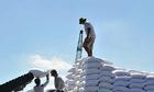 Nhập khẩu đường từ 5 nước ASEAN tăng đột biến, Bộ Công Thương điều tra phòng vệ thương mại