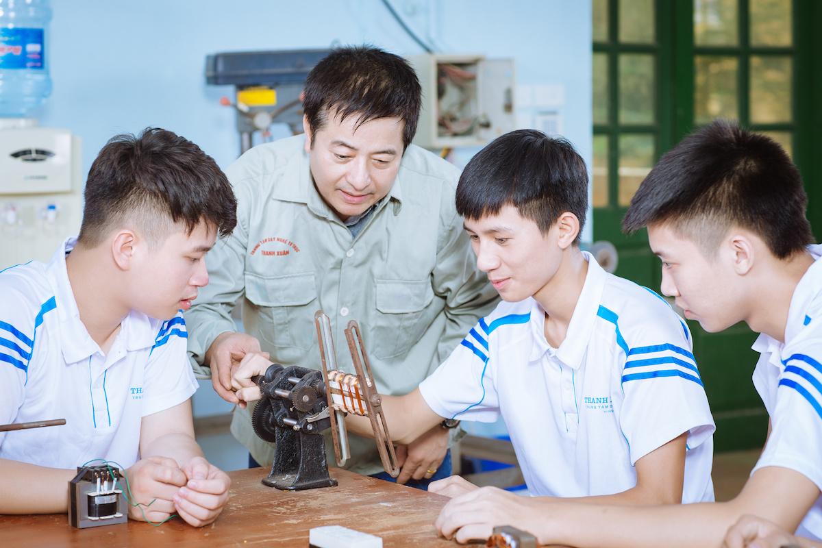 Ky-nang-lao-dong-VN-2039-1633309885.jpg