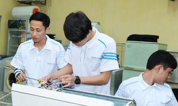 Học nghề điện lạnh dễ có việc làm thu nhập cao